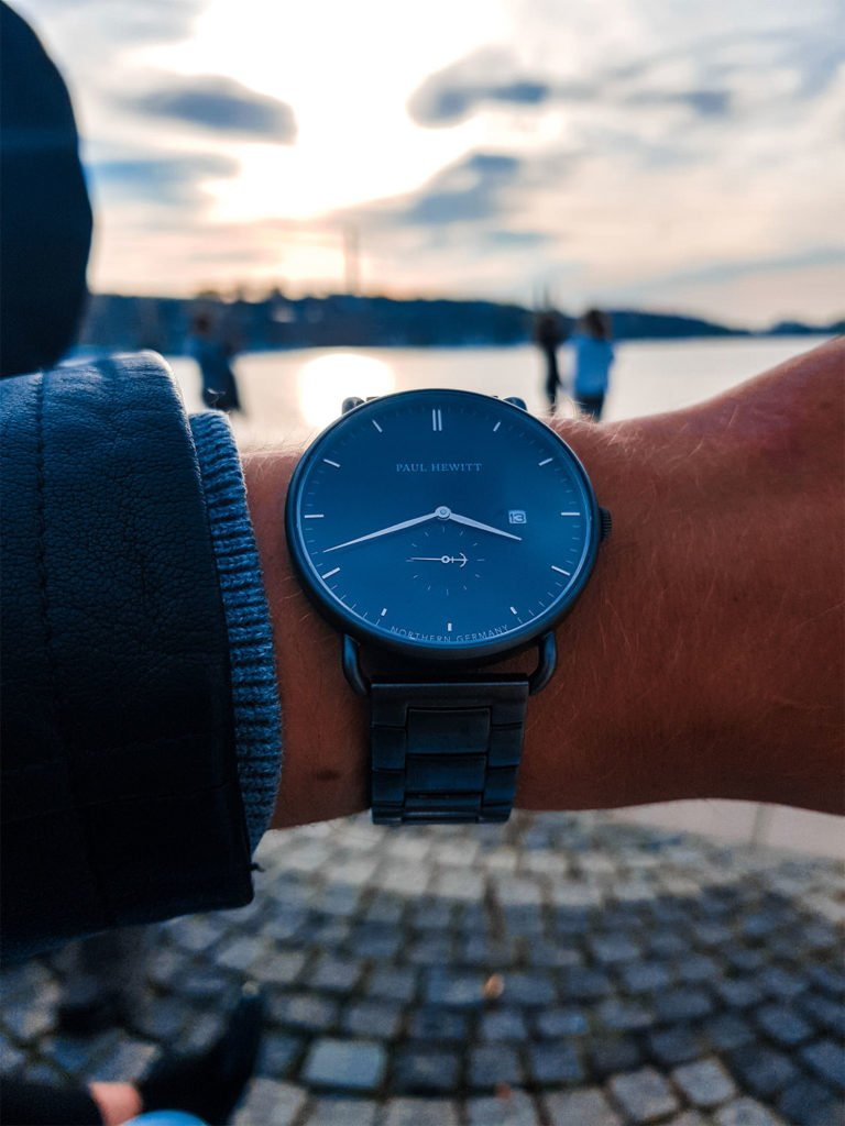 For Joris watches are the perfect accessory for outfits. They do not have to miss on vacations in any case, like on this picture from Stockholm.