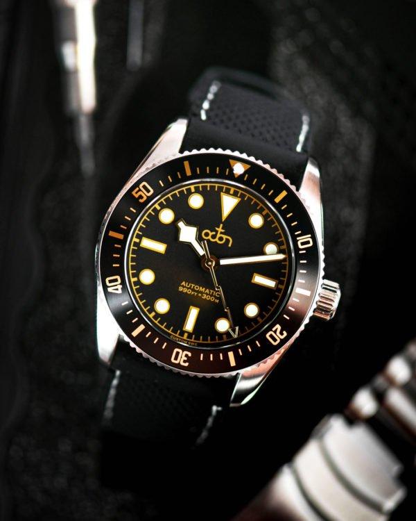 Octon Watch Black Gold