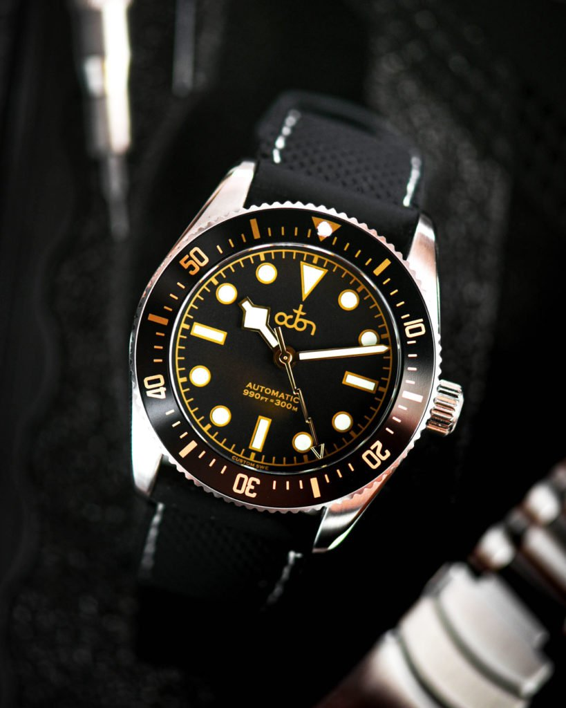 Octon Watch Black Gold