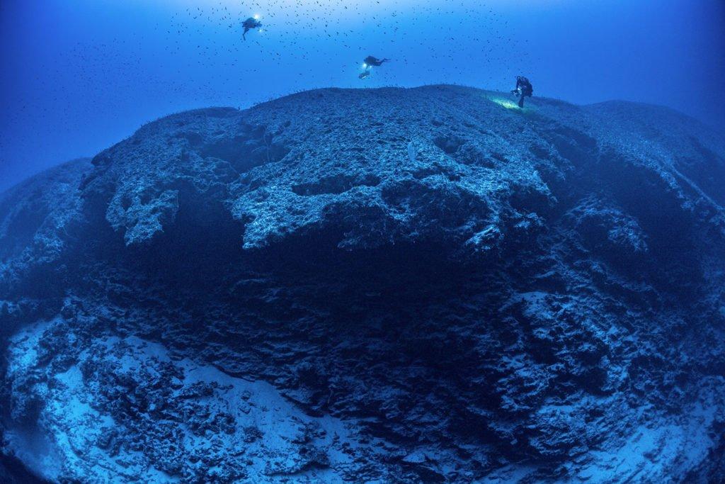 La PÇrouse Deep cliff Laurent Ballesta Blancpain Ocean Commitment