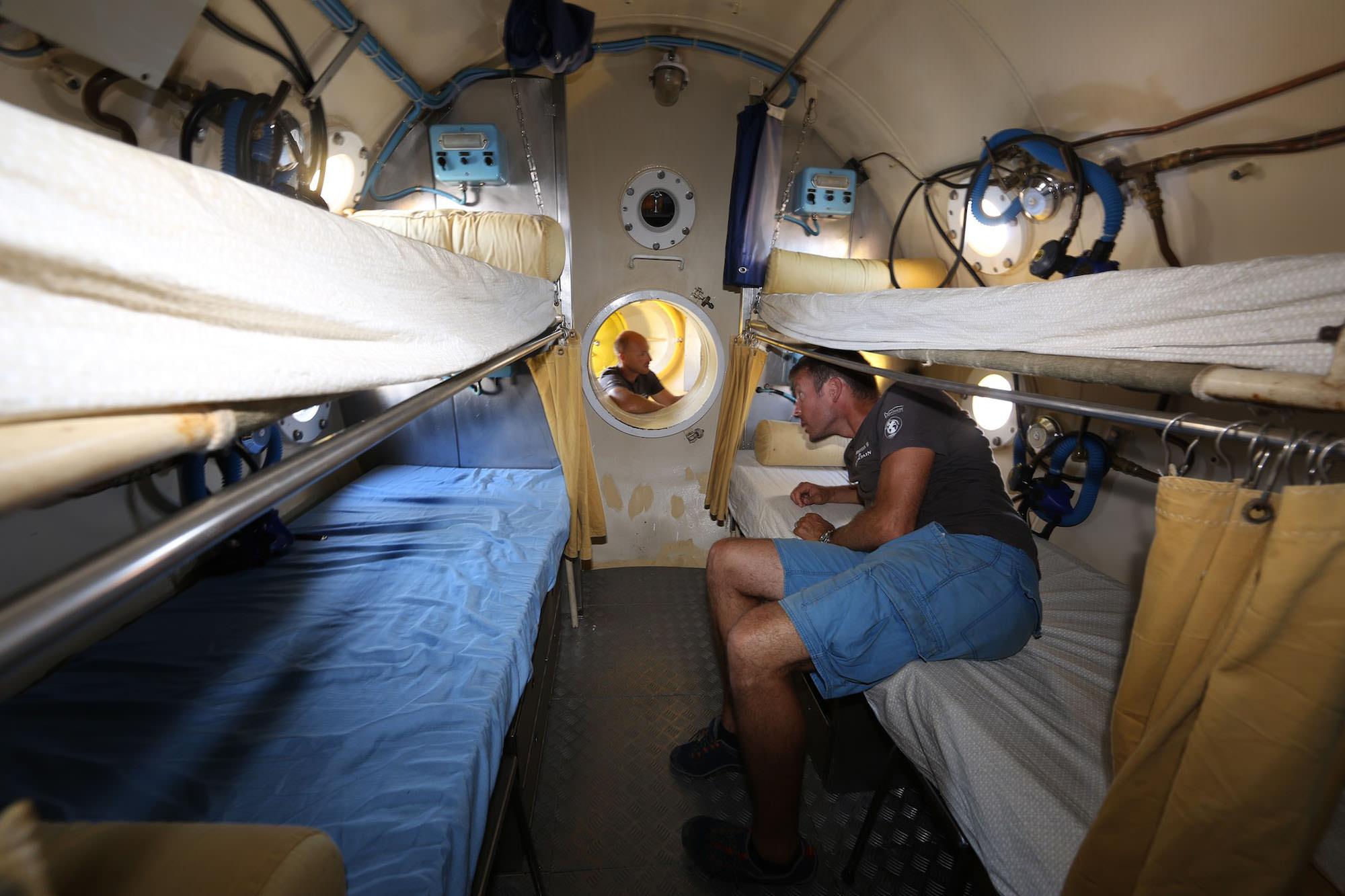 Inside the Bathyale Station Claurent Ballesta Andromede Oceanologie Gombessa